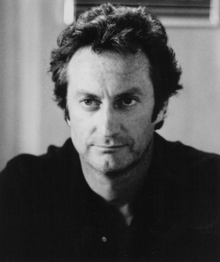 Still of Bryan Brown in Cocktail (1988) http://www.movpins.com/dHQwMDk0ODg5/cocktail-(1988)/still-1010273792
