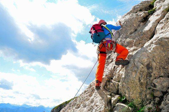 Cómo debe ser un buen pantalón de escalada de hombre