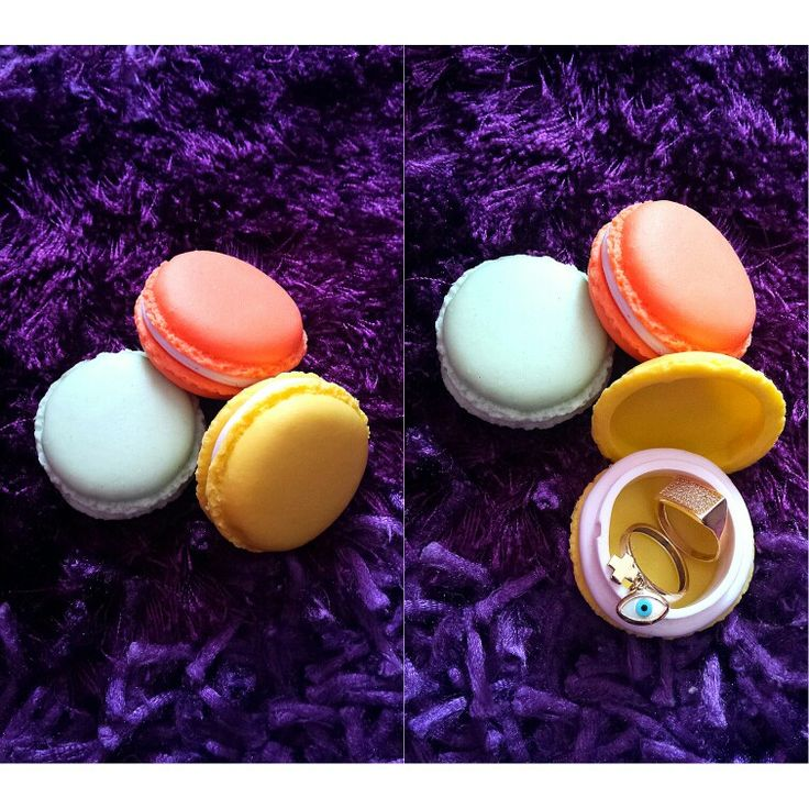Macarons as ring case!!!!