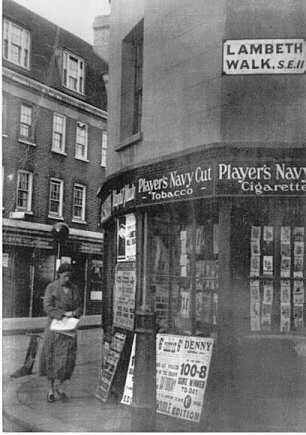 old photos of the lambeth walk . Harlow's Corner. Black Prince Road