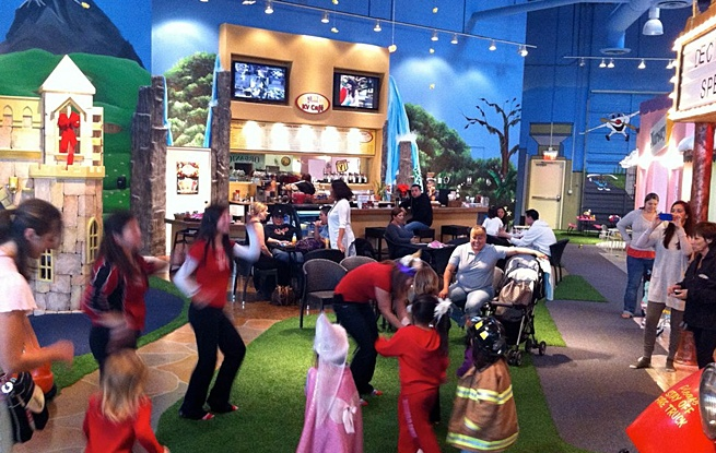 Kid Ventures is awesome. Definitely the cleanest indoor play place I've been to in SD. Had Brody's 2nd b-day there, and it was a huge success.
