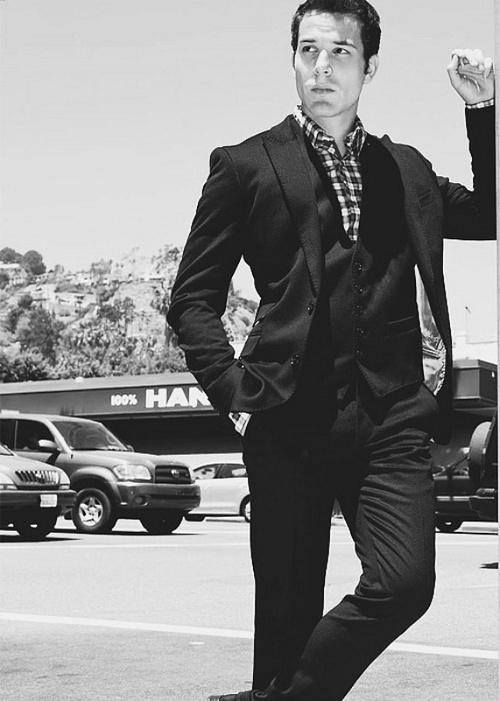 I would marry Skylar Astin right now.