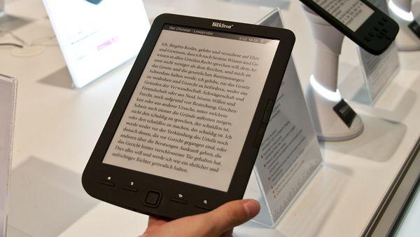 """Nowy rozmiar czytników powoli puka do naszych drzwi - czy ekrany 8"""" zmienią nasze przyzwyczajenia? Na rozpoczynających się Targach Książki w Paryżu przedpremierowo będzie można zobaczyć Cybook Ocean, swój model szykuje także Onyx.  http://www.ekundelek.pl/2014/03/kolejne-ciekawe-zapowiedzi-onyx-boox-i.html"""