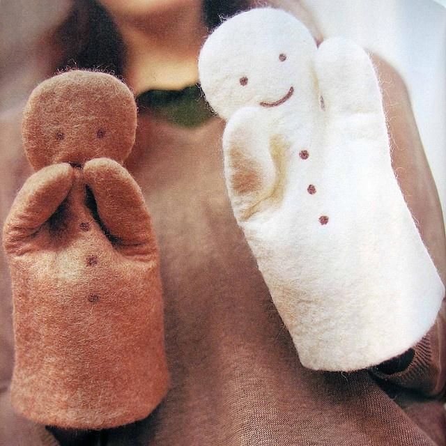 Gingerbread men puppets