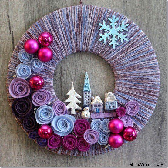 Рождественский венок из ниток и фетра
