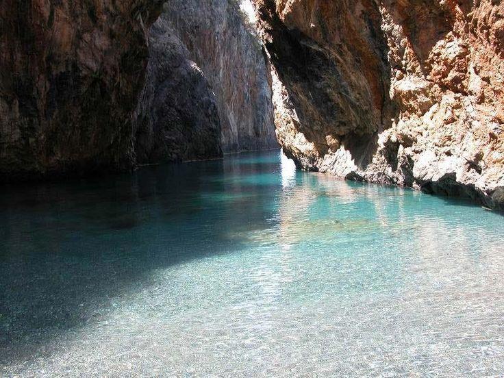 Una spiaggia nascosta in Calabria da vedere assolutamente | WePlaya