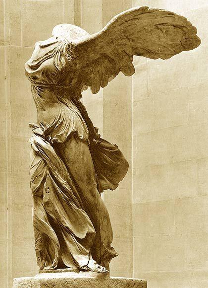 Uve de Victoria. Victory of Samotracia. Louvre. Paris