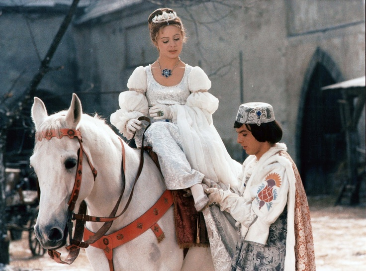 Drei Haselnüsse für Aschenbrödel - my favourite TV fairy tale. Here, Cinderella makes her own happiness by being a tomboy, hunter, great horse(wo)man, and the prince is a cheeky larrikin who does NOT want to get married!