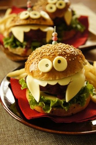 Great way to dress up food for Halloween #burger