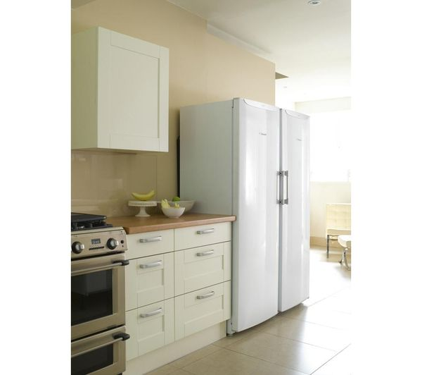 free standing fridge and freezer, Hot point  	1750 x 600 x 650 mm (H x W x D)