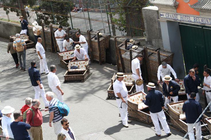 Los carros de mimbre de Monte fueron los primeros que empezaron a popularizar el turismo de Madeira. www.visitmadeira.pt