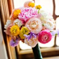 love this bouquet - but click the link for the top 10 wedding flowers and what the Victorian meaning is for each one