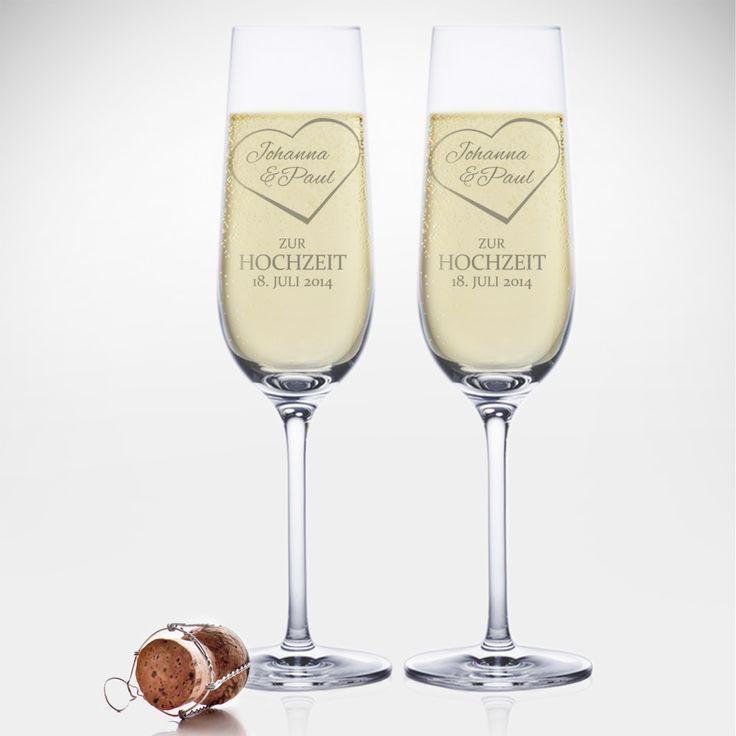 Anstoßen ist zur Hochzeit Pflicht. Unsere Sektgläser mit Gravur zur Hochzeit - Herz mit Namen sind ganz besondere Gläser. Für den ganz besonderen Augenblick.