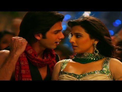 Soniye Ve Soniye - Kismat Konnection. One of my favorite Bollywood scenes