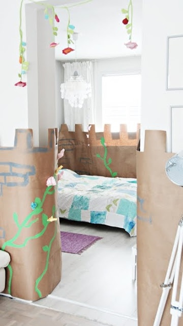 Kindergeburtstag: Papier-Burg