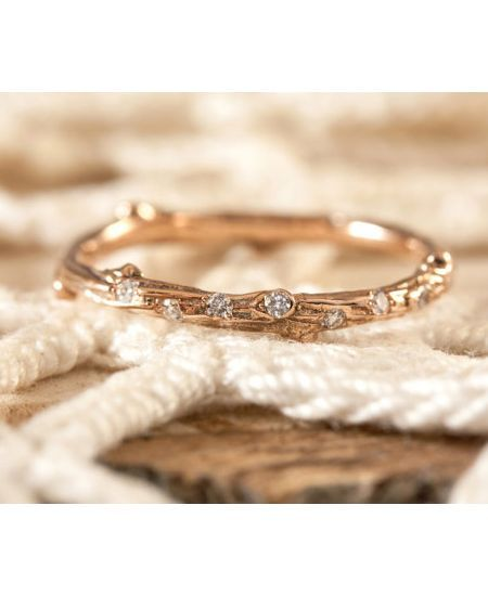 14 Unusual (but still gorgeous!) engagement rings for cool brides-to-be