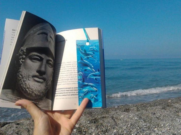 #Booksonthebeach, la campagna social: in spiaggia si legge