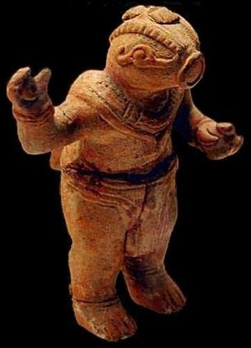 Este es el llamado Astronauta de Nazca; ser reptiliano.