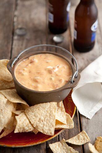 Paula Deen Chili Con Queso Dip: With Cheese, Fun Recipes, Chilis Con, Queso Dips, Dips Recipes, Appetizers Dips, Chee Dips, Paula Deen, Hot Sauces