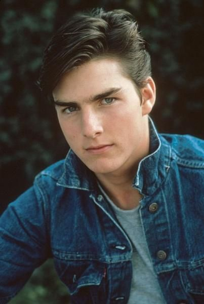 http://www.moviestarspicture.com/photos/tom-cruise/tom-cruise-young-pics.jpg