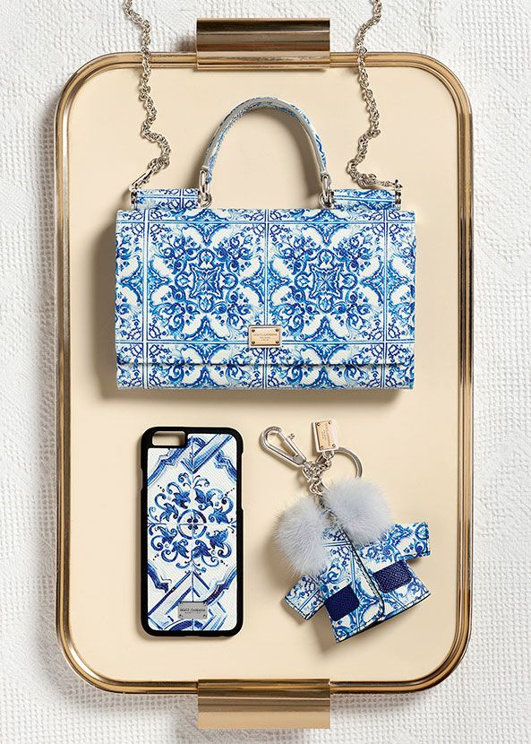 ~ Gorgeous Blue and White Elegant Printed Handbag with Pretty iPhone Case and Cute Jacket Keychain : Doce and Gabbana Winter Collection Accessories ~