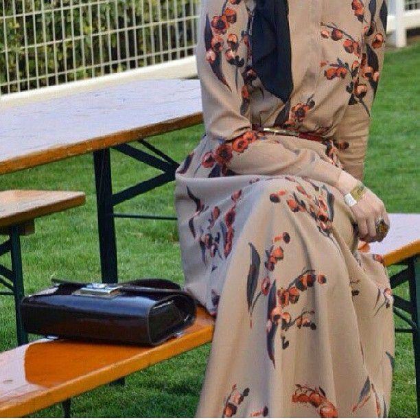 #hijap #moda #bej #tesettur #larcivert #kralice #guzel #topuklu #instapic #instagram #instagood #instanice #fashion #instalove