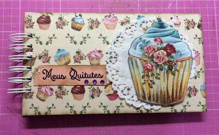 Caderno de receitas no tema Cupcake com 60 folhas decoradas em papel reciclado.  Capa em papel de scrapbook.  Encadernação Wire-O.  Pode ser personalizado!
