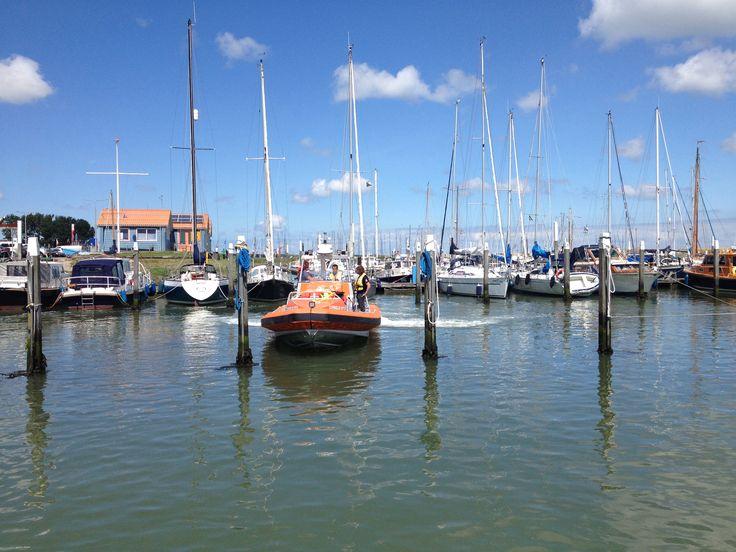 Oefenen met de Cornelis Dito, nieuwe boot van KNRM Oudeschild
