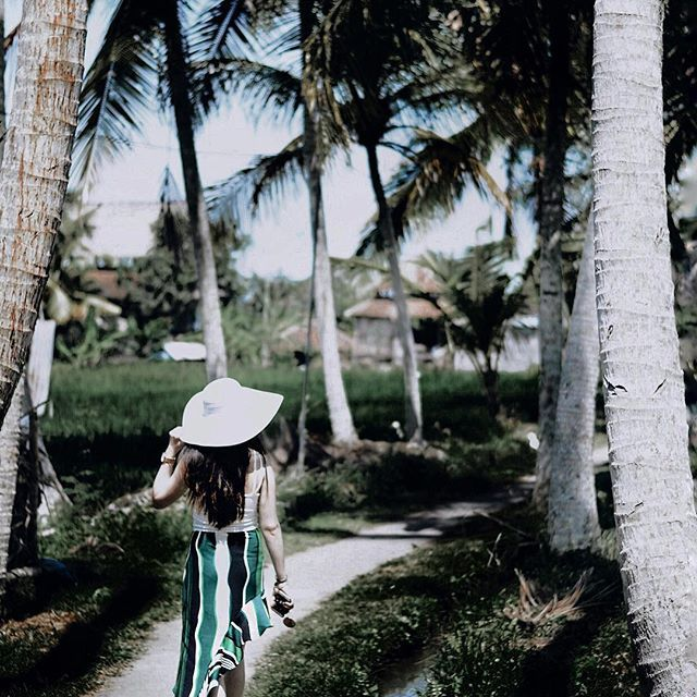 Full recap of my Bali trip is now on the blog! Read about my travel tips and final thoughts on this Insta-famous island! (Link in bio) Details include visits to four different locations: Seminyak, Ubud, Gili Trawangan and Uluwatu. | #ontheblog #linkinbio #bali #travel