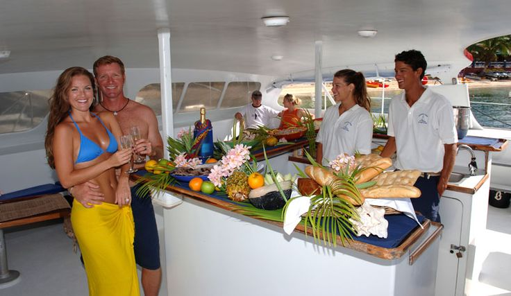 An all inclusive honeymoon packages in St.Thomas helps you in cutting down your extra expenses.