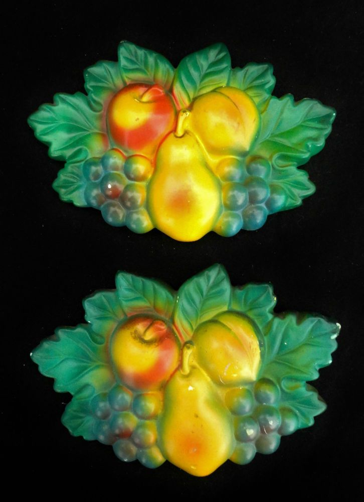 2 CHALKWARE Mixed Fruit Apple Grapes Pear Peach Wall Plaques Vintage Kitchenware in Collectibles, Decorative Collectibles, Chalkware | eBay