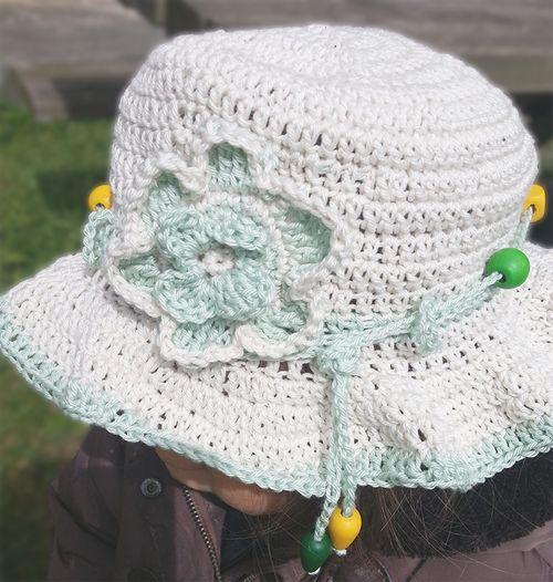 chapeau-blanc