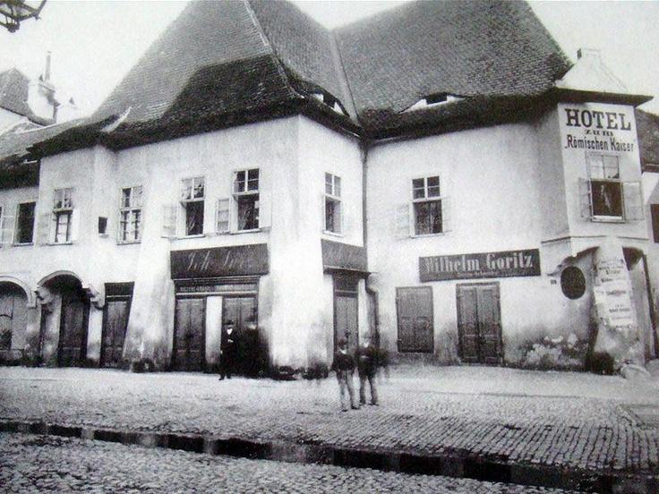Sibiu - Vechiul Hotel Imparatul Romanilor (Hanul La Steaua Albastra) - 1555-1891