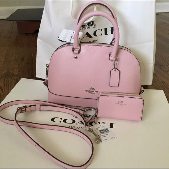 Coach purse/crossbody petal set 100% AUTHENIC cute new style trend set. ♏️ercari 185 Coach Bags Crossbody Bags