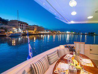 Charter Sailing Catamaran - MANU - Gallery - Sunreef Charter