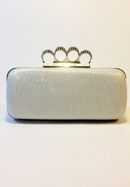 http://sobags.ro/products/brianna-clutch-alb