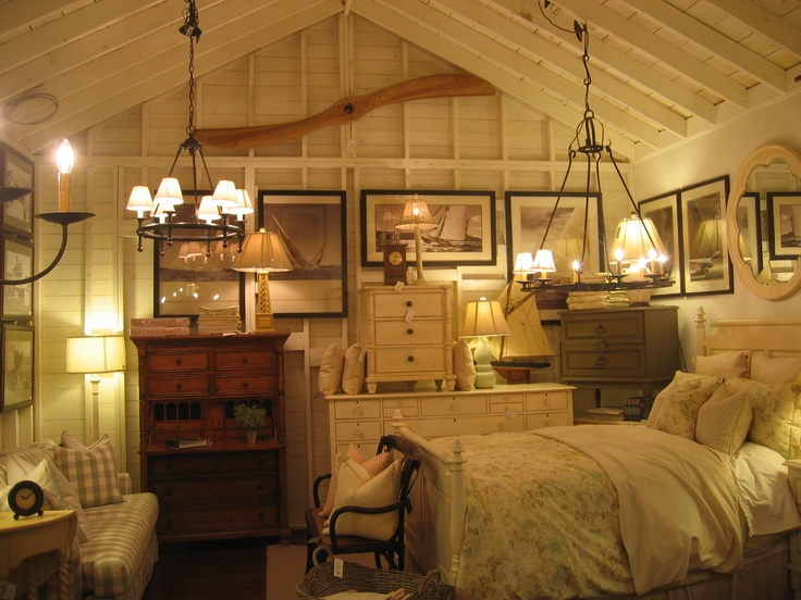 17 best images about bunkie ideas on pinterest sarah for Bunkie interior designs