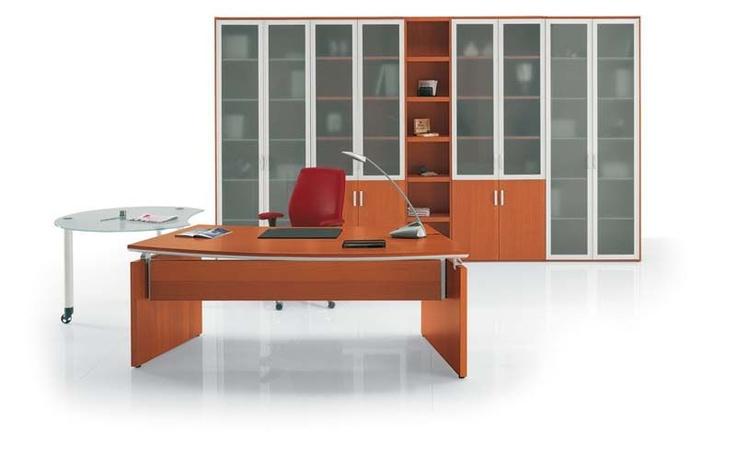 """""""FLECTOR"""": Con Flector lo spazio scrivania si dota di una superficie confortevole, adeguata ed ergonomica dove poter consultare documenti, collocare il proprio PC, accogliere gli interlocutori."""