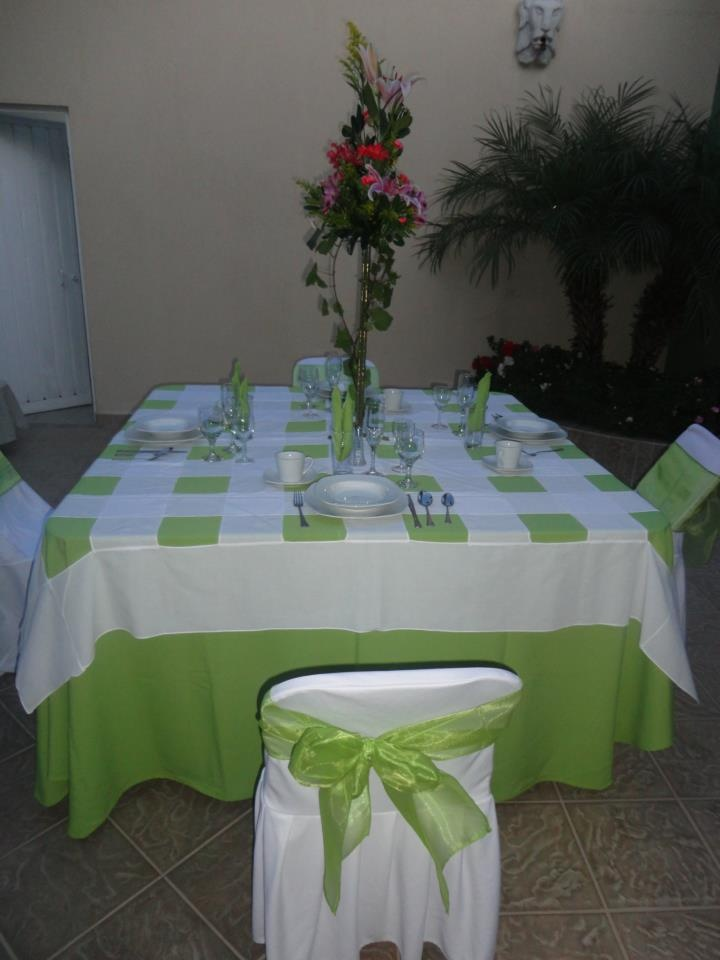 Mesa cuadrada con mantel color coral cubremantel con tulipanes trasl cidos y marco de shantu - Mantel para mesa exterior ...