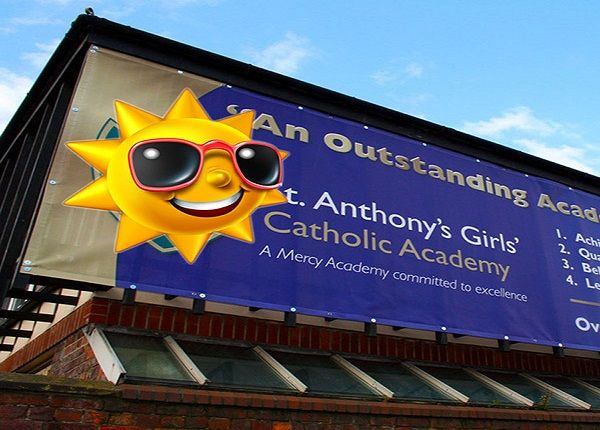 #VinylBannerPrinting is an ideal signage option as its durability and glossy finish can be sustained for a longer time. http://goo.gl/VVAjbh