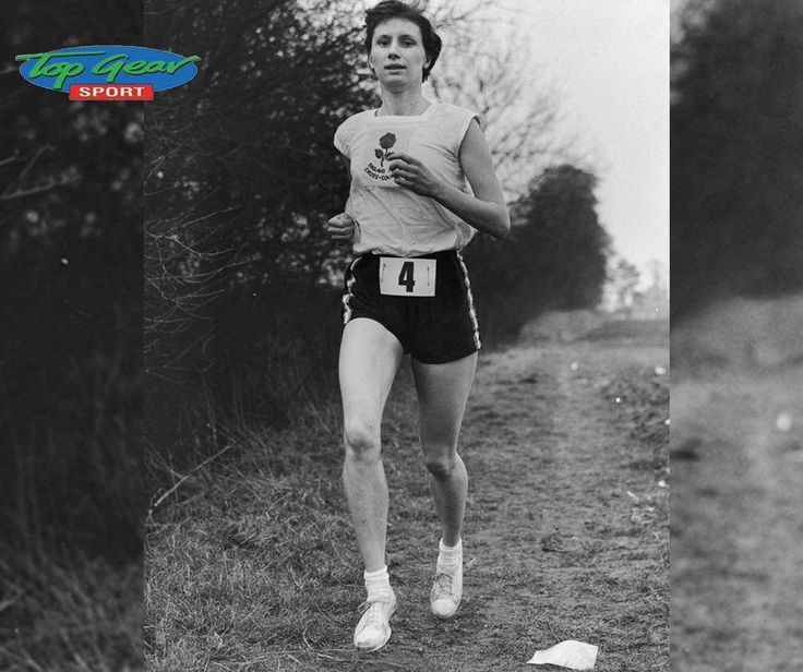 #DidYouKnow that the fastest mile for a woman was set by Russia's Svetlana Masterkova, her time was 4:12.56. The run was in 1996 and hasn't been seriously challenged since! #FactFriday #TopGearSport