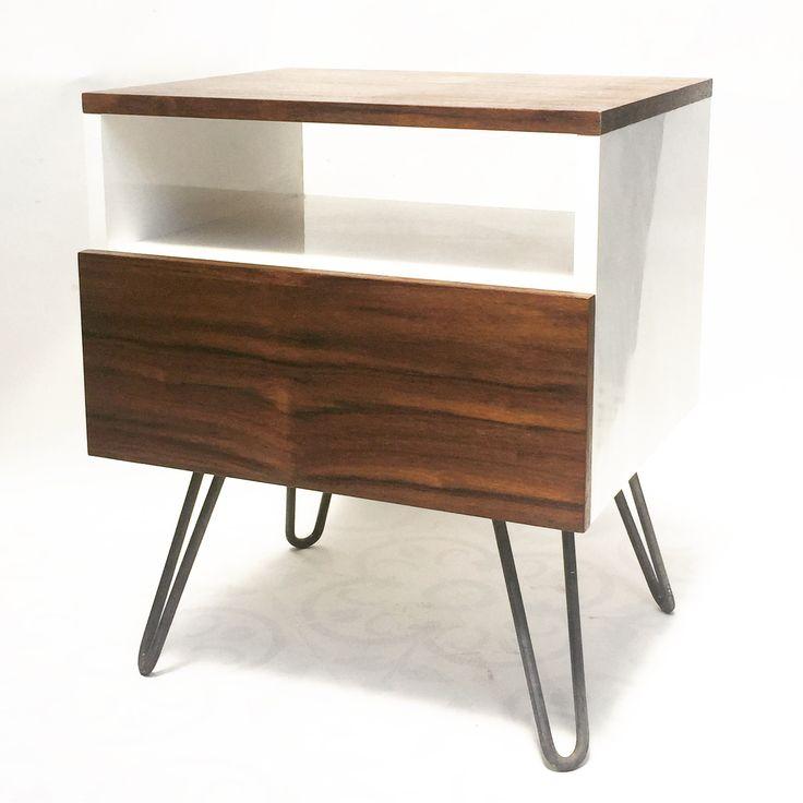 Velador Hairpin, madera de Acacia. www.tiendalarry.com #hairpinlegs #furniture #design #new