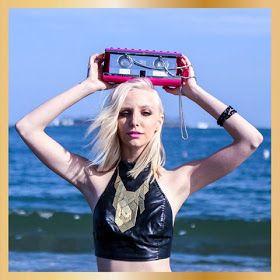 Über Fashion Marketing: Rebecca Minkoff Audio Clutch... Para funkeiras deluxe