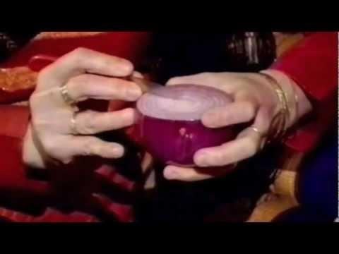 Red Onion Lotus - Beginner's Lesson 11 by Mutita Art of Fruit & Vegetable Carving