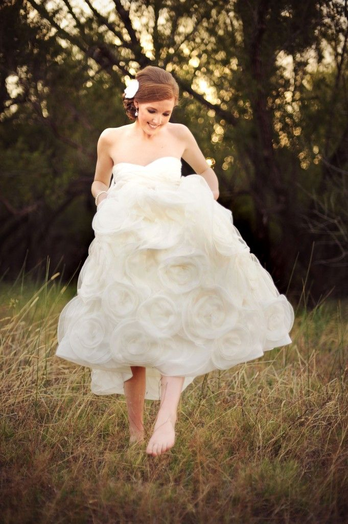 How To Sell Your Wedding Dress And Make HALF Of Your Money Back Via The  Newlywed