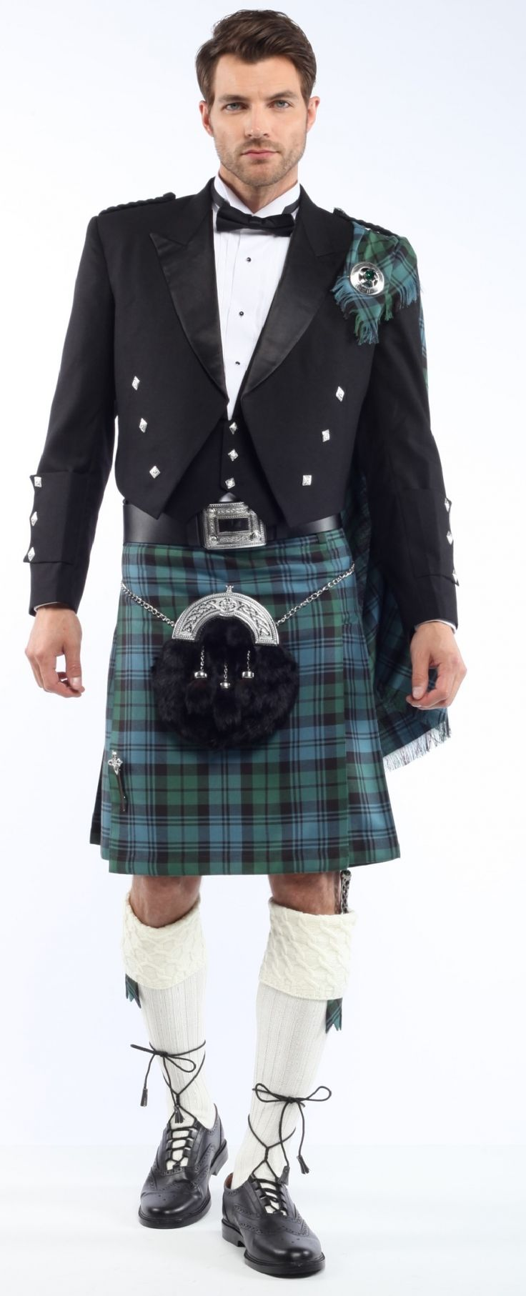 In Victorian times the sporrans got so huge and fancy that they almost covered the front of the kilt. Description from sportkilt.com. I searched for this on bing.com/images