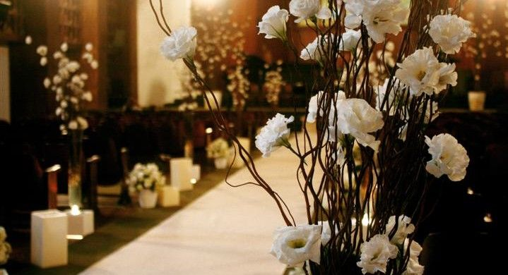 Decoração e Projetos   Fotos de decoração de igreja para casamento