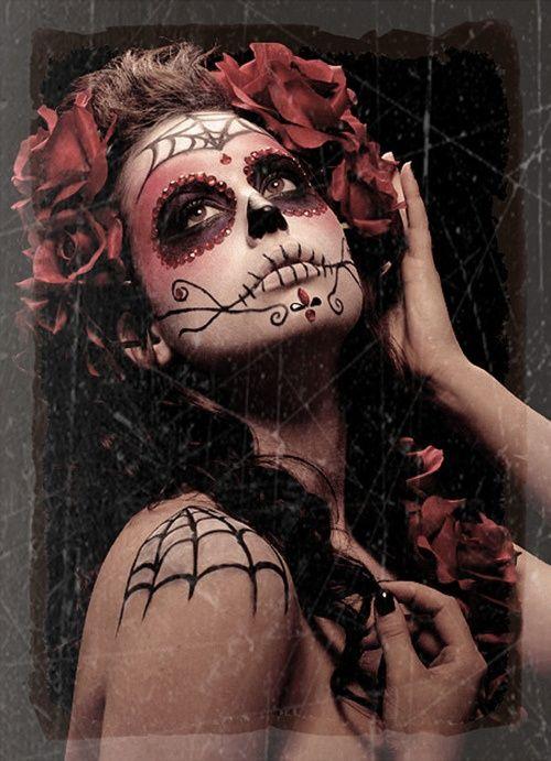day of the dead makeup idea #FestivalVidayMuerte > http://mayanexplore.com/news_det.php?m=379