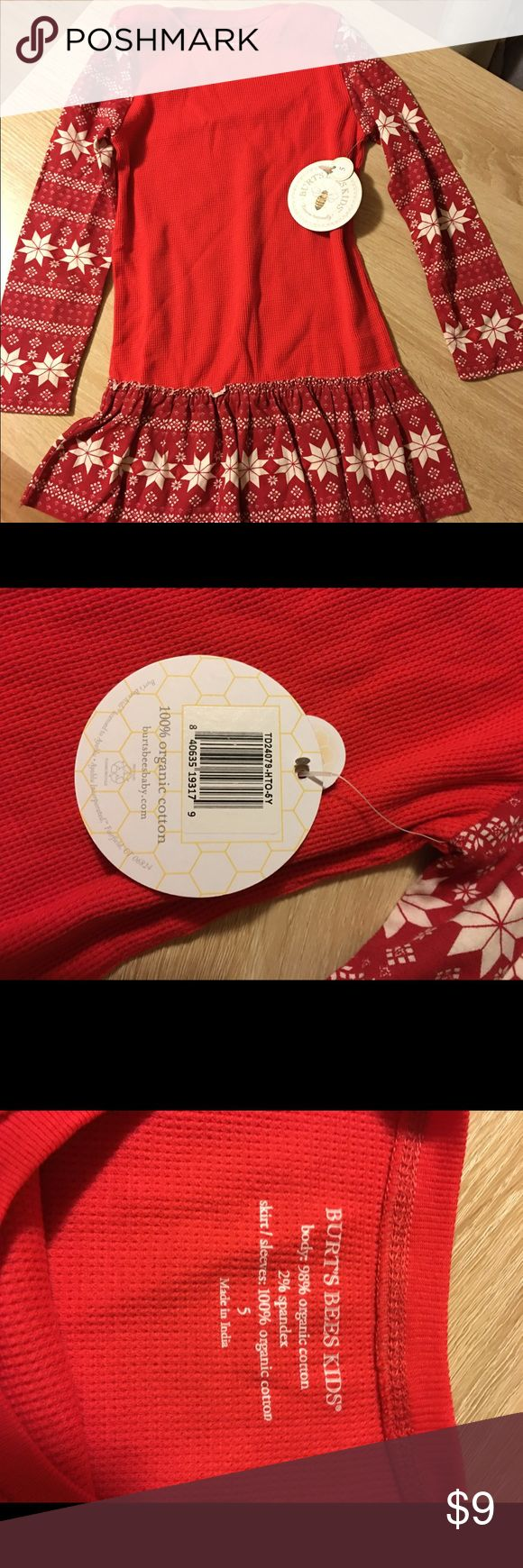 Burts bees red waffle snowflake dress. NWT (5) Long sleeve holiday print. Cotton waffle organic cotton size 5 NWT. Size 4 worn once Burt's Bees Baby Dresses Casual