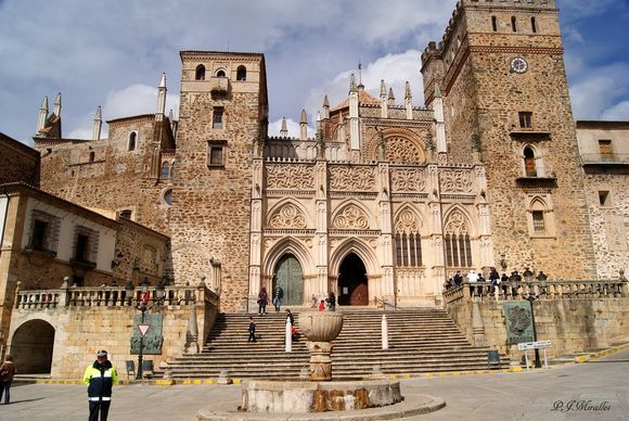 caceres_ws1019316746.jpg (580×388)